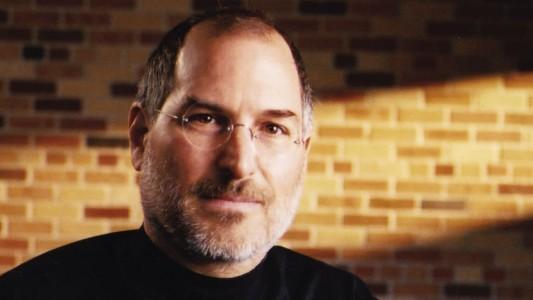 Steve Jobs omagiat in cadrul evenimentului de decernare a premiilor Oscar 2012