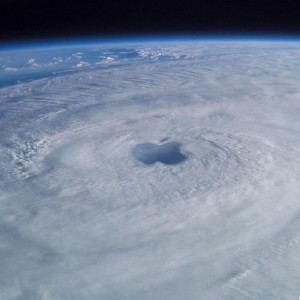 gallery-1_apple-my-ipad-retina-wallpaper-hd-space-apple-hurricane