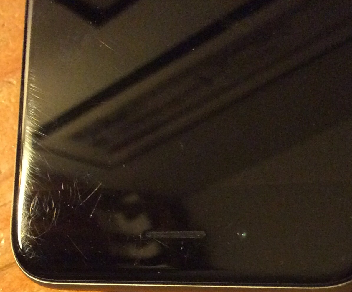 iPhone 6 zgarieturi ecran 1