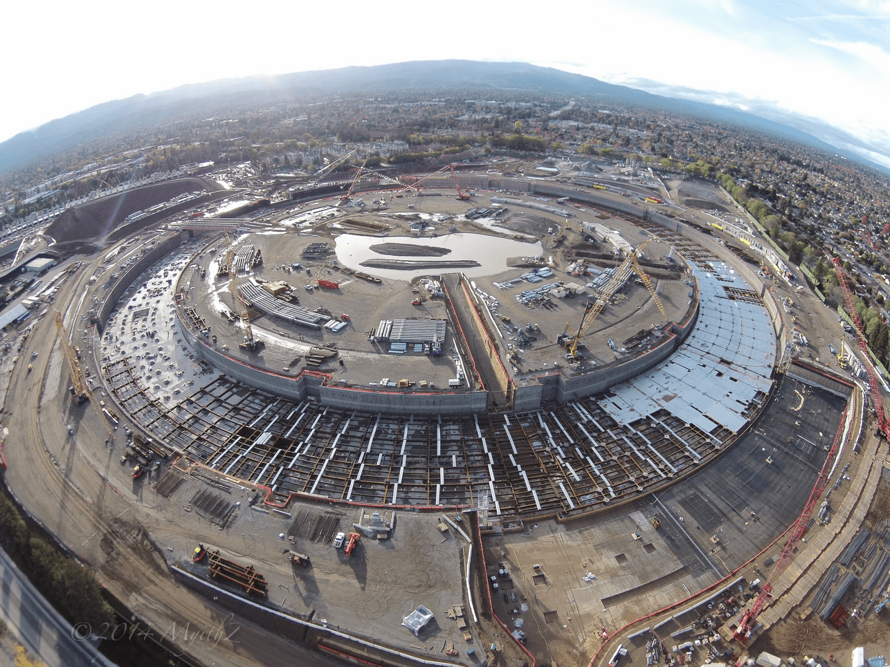 Apple Campus 2 decembrie