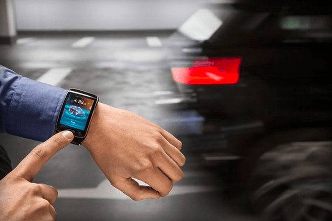 BMW smartwatch