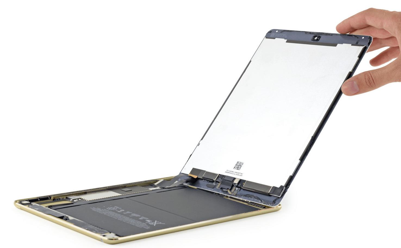 iPad Air dezasamblata