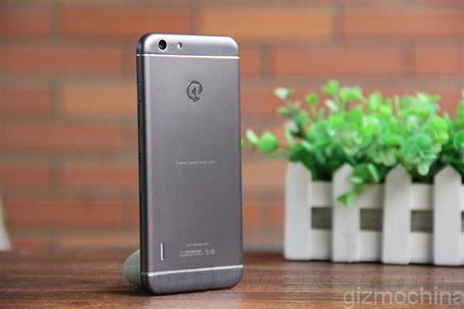 Dakele 3 clona iPhone 6 4