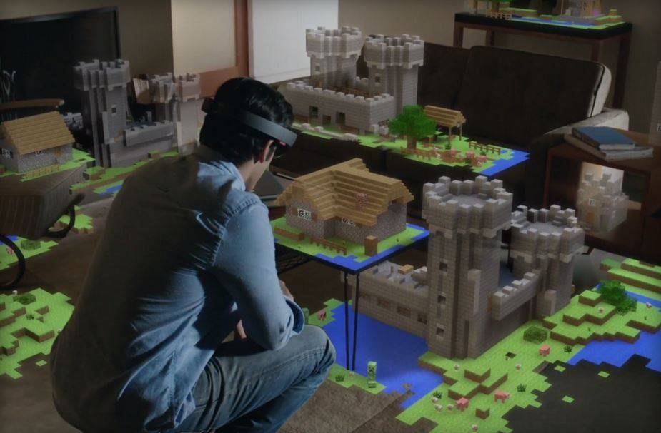 Microsoft HoloLens featured