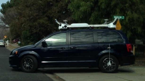 Apple masina condus singura street view