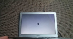 MacBook cadere avion
