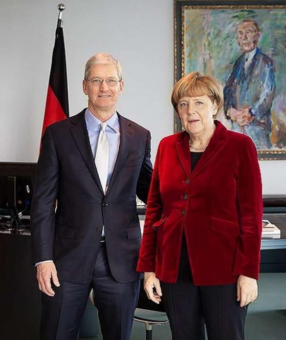 Tim Cook Angela Merkel