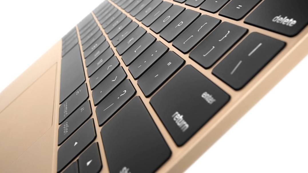 MacBook cu Retina Display tastatura