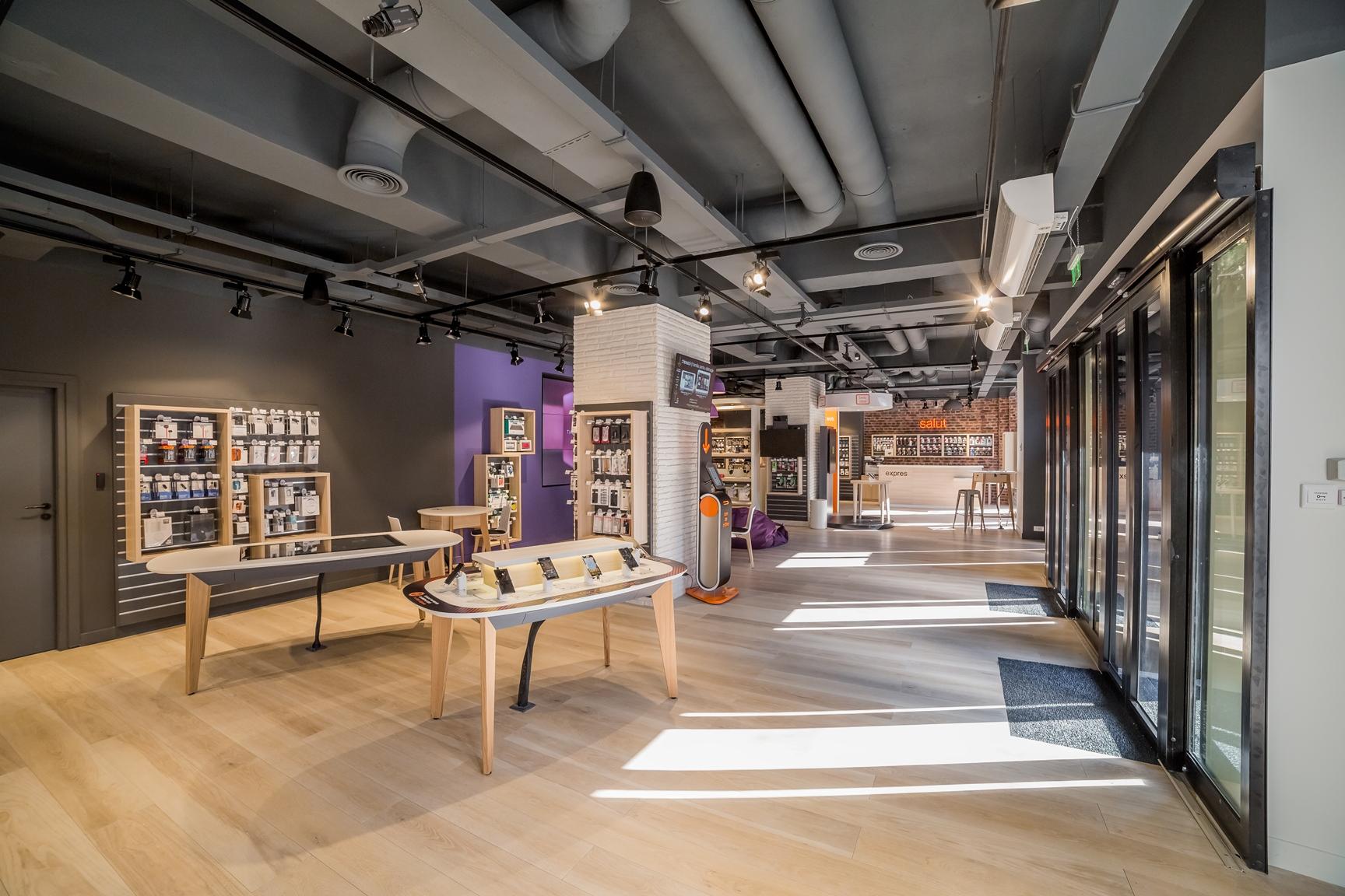 Orange Smart Shop masa multitouch alegere servicii