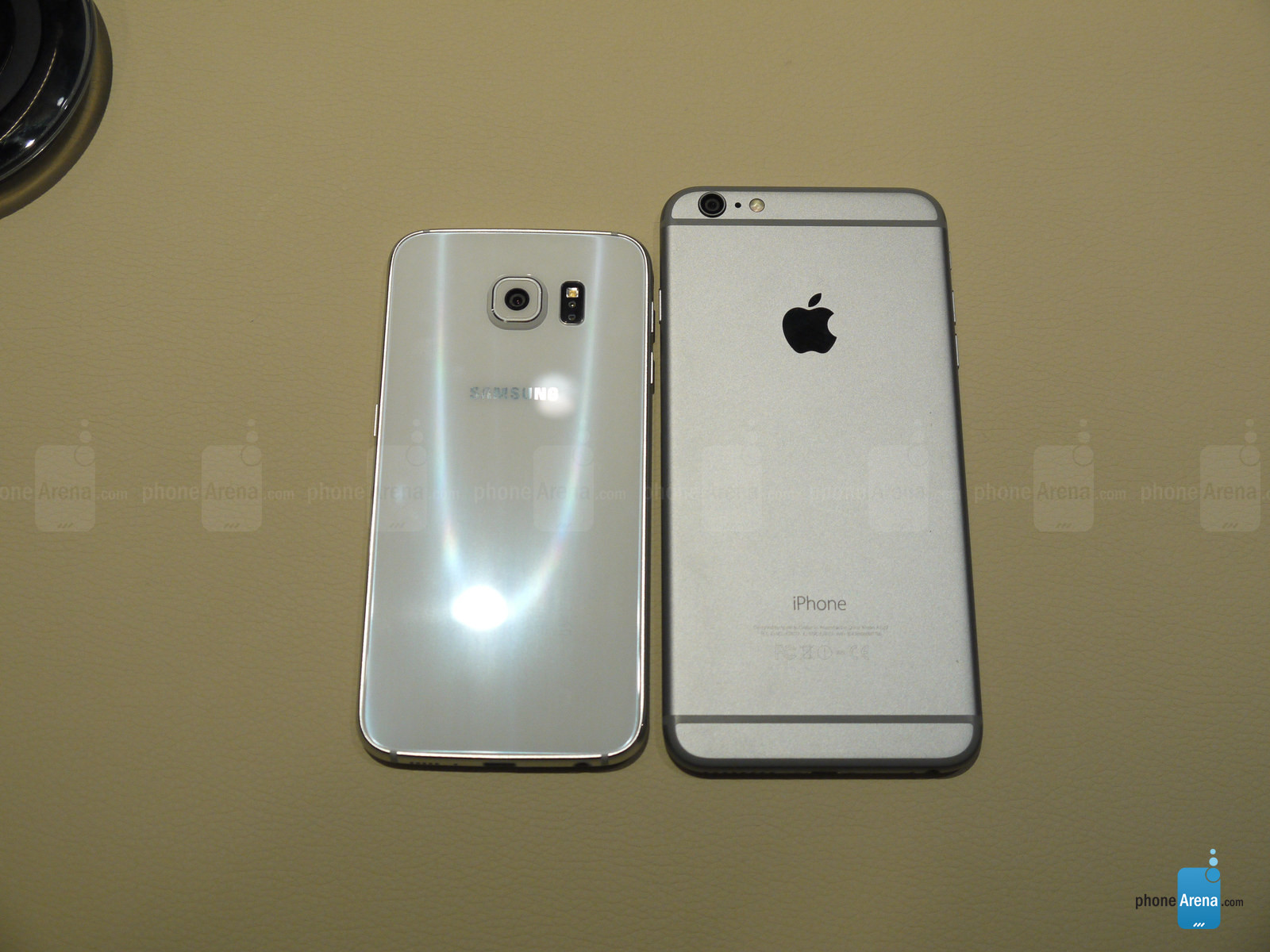 Samsung Galaxy S6 vs iphone 6 Plus 2