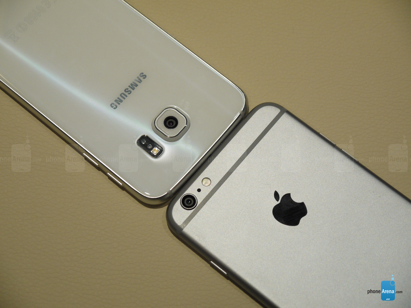 Samsung Galaxy S6 vs iphone 6 Plus 3
