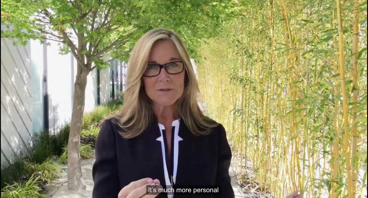 Angela Ahrendts Apple