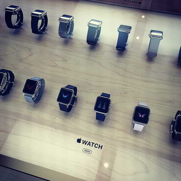 Apple Watch masa magazin APple