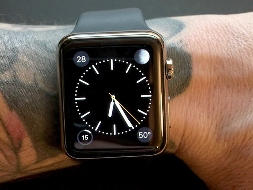 Apple Watch tatuaj incheietura
