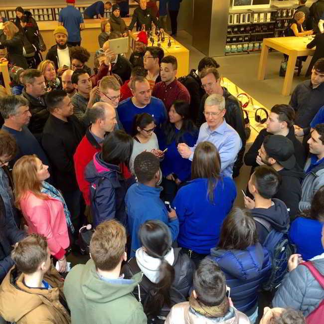 Tim Cook sedinta Apple Watch