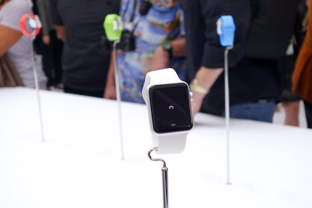 lansare Apple Watch tara