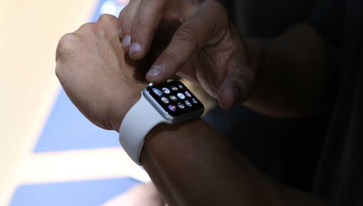 Apple Watch amenda volan