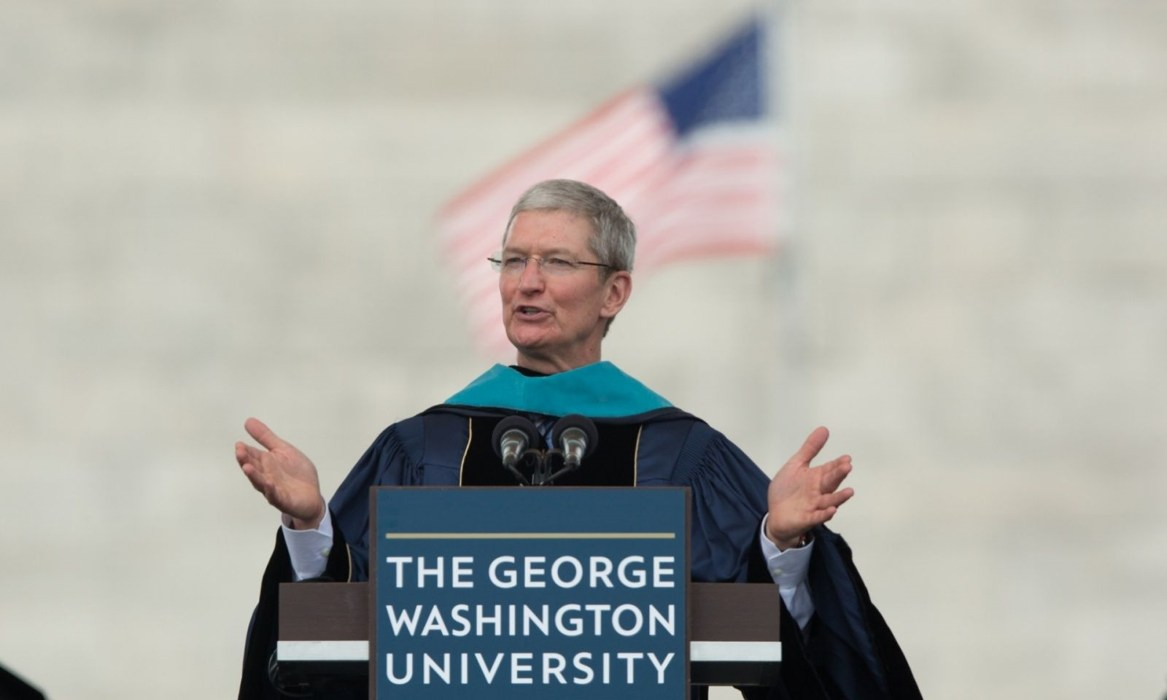 Tim Cook ironizeaza Android