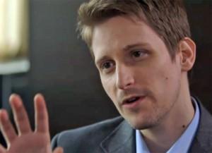 Edward Snowden iOS 8