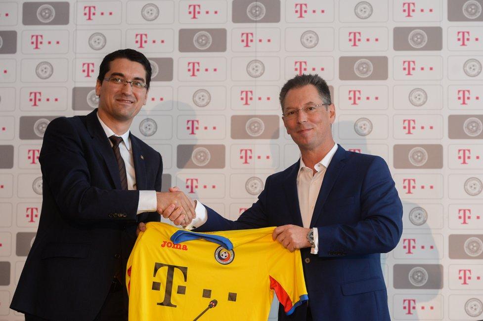 Telekom sponsor echipa nationala fotbal