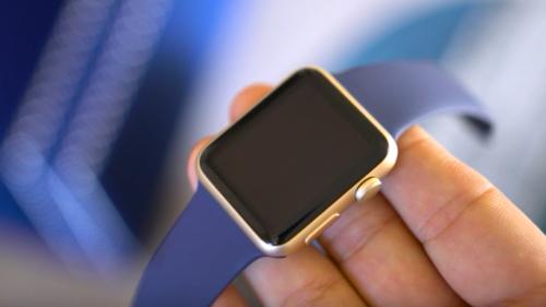 Apple Watch aur vs Apple Watch Sport auriu 1