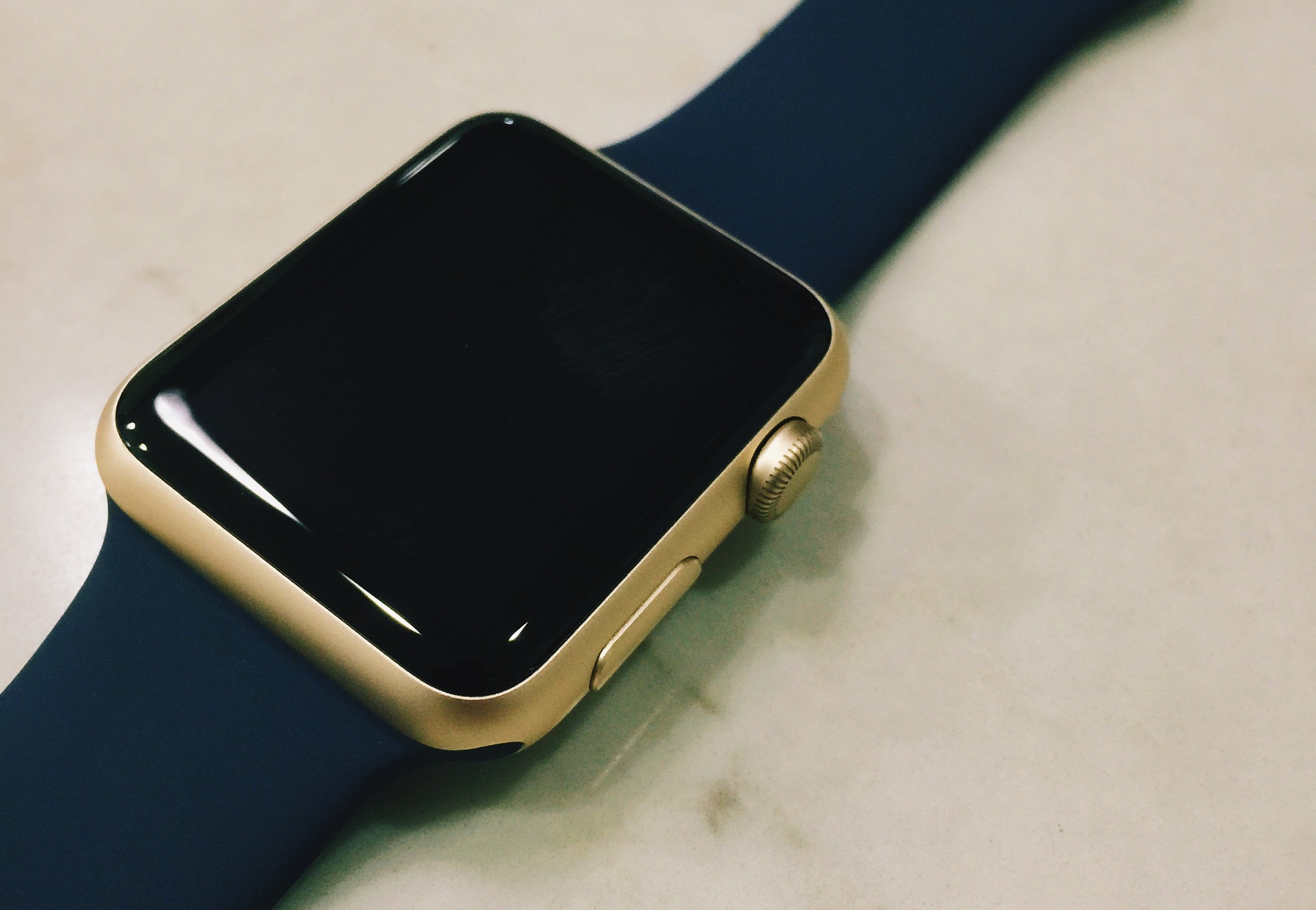 Apple Watch auriu 1