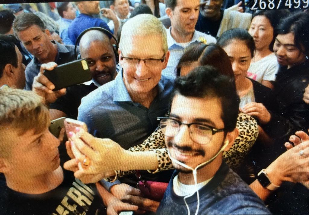 Tim Cook Apple Store New York 3