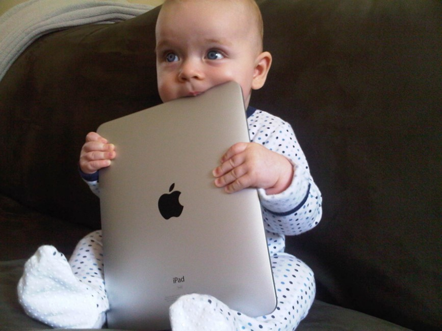 bebelus iPad