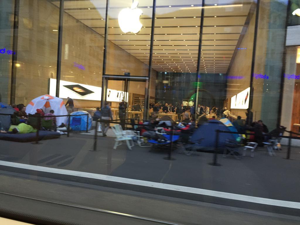 lansarea iPhone 6s cozi Apple Store Lagerbild