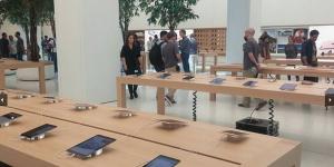 Apple Store Dubai cel mai mare din lume