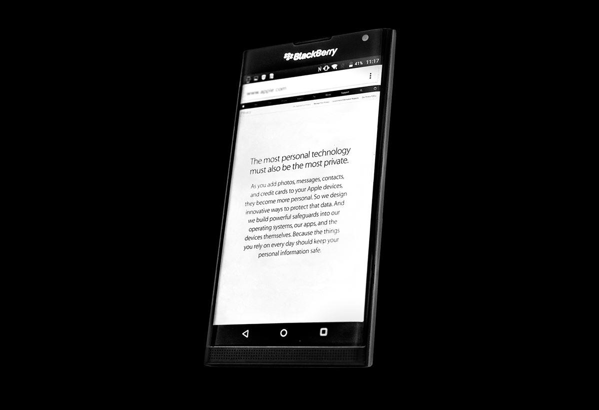 Blackberry Priv promovare Apple
