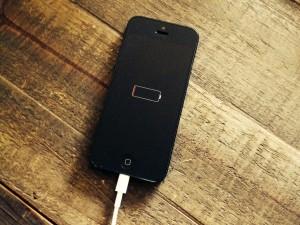 Cum consuma Facebook toata energia bateriei iPhone