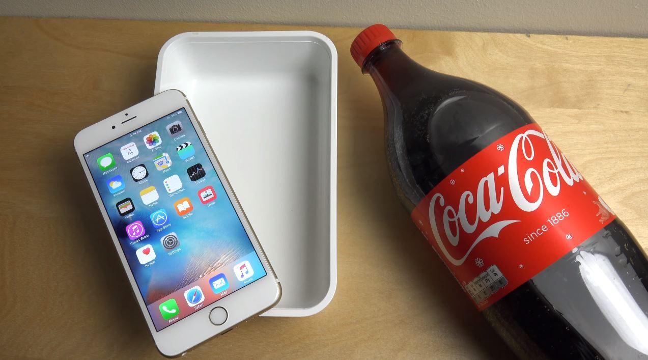 iPhone 6S Plus vs Coca Cola