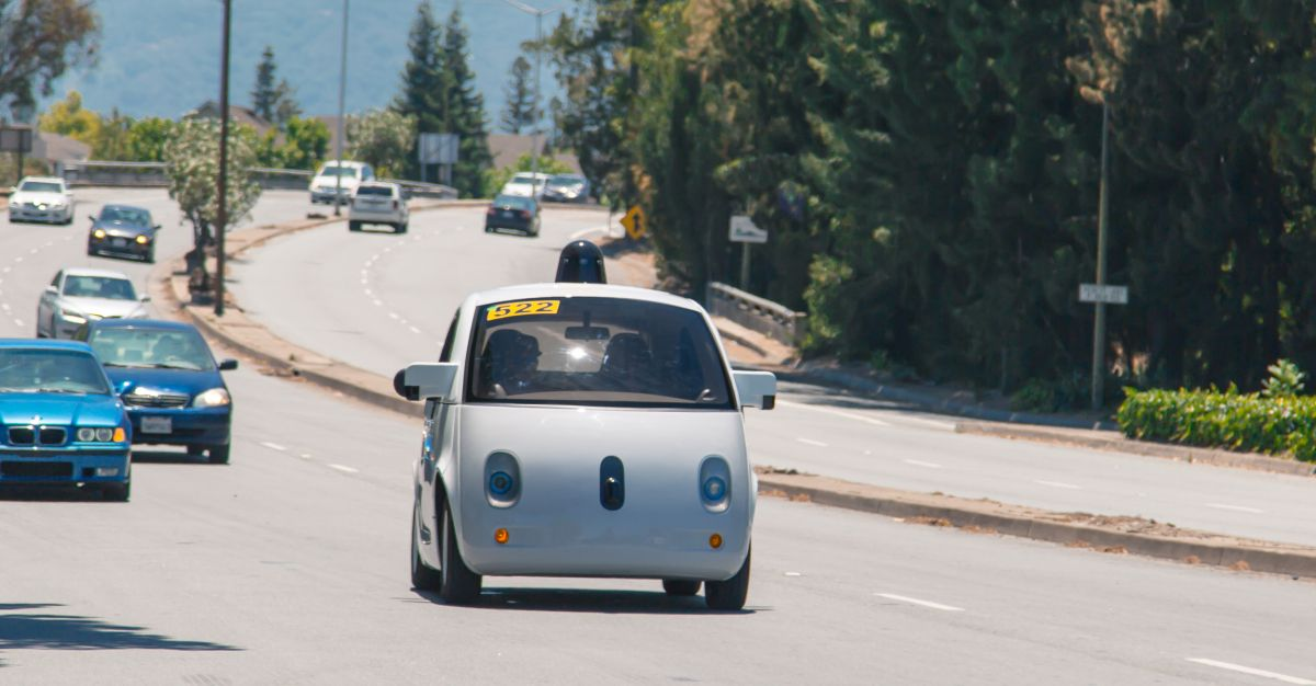 masina autonoma electrica Google