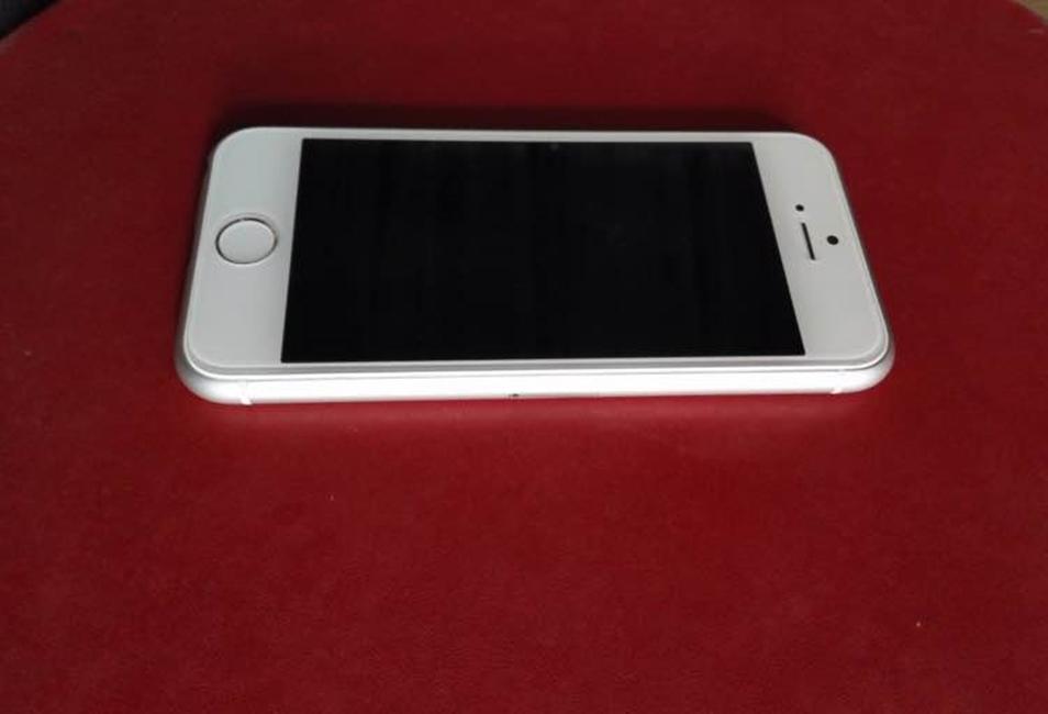 iPhone 6C prime imagini