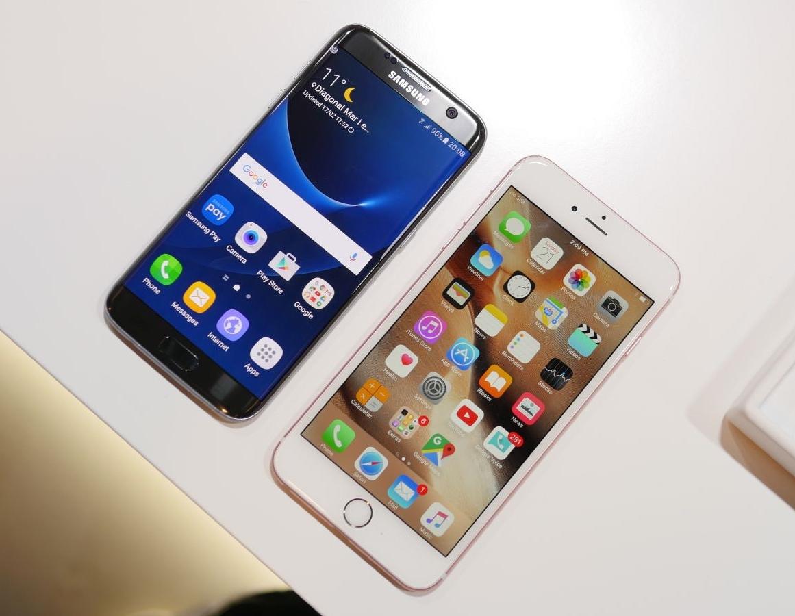 samsung galaxy s7 edge vs iphone 6s plus comparatie detaliata. Black Bedroom Furniture Sets. Home Design Ideas