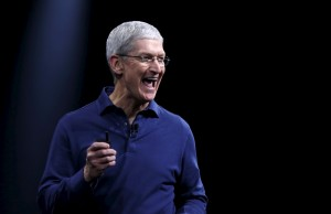 Tim Cook masina Apple Craciun