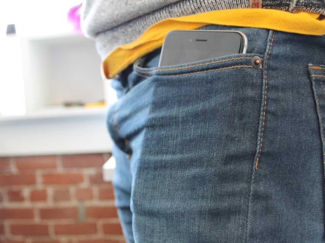 iPhone buzunar pantaloni sperma - iDevice.ro