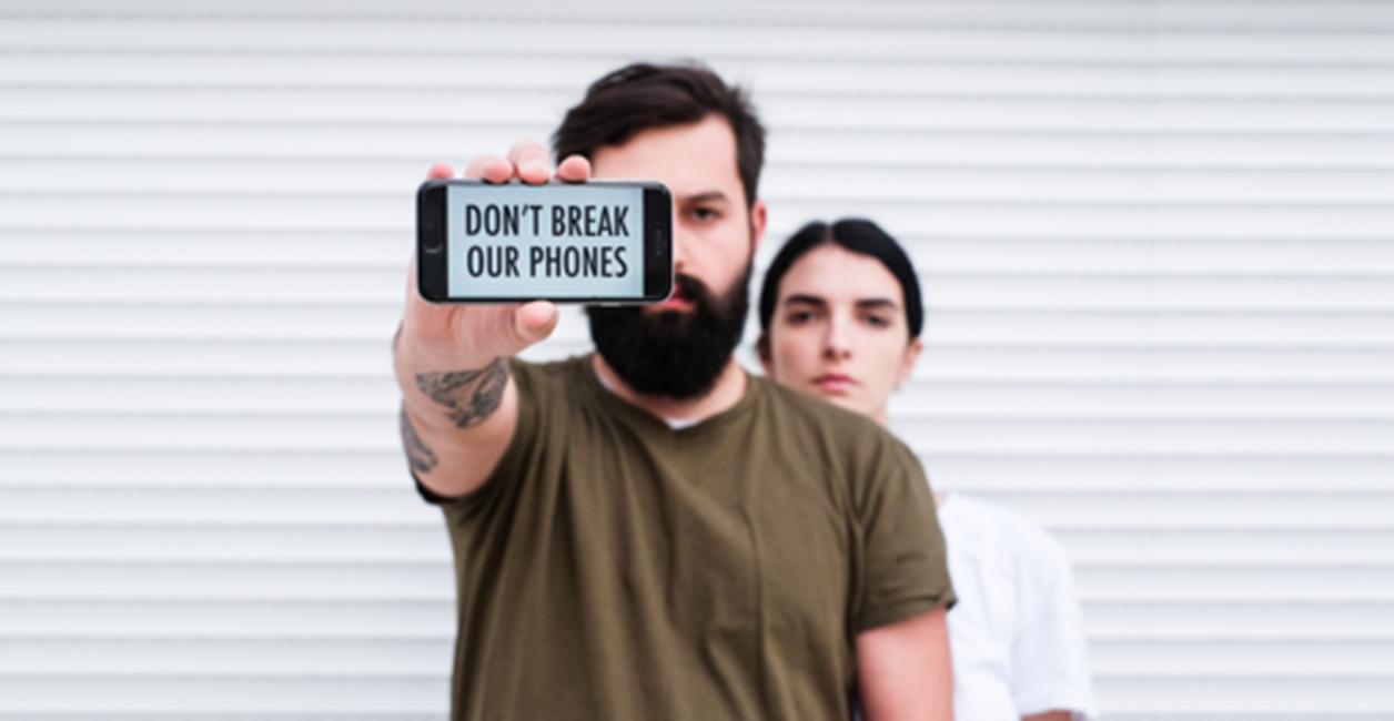protest Apple Store FBI