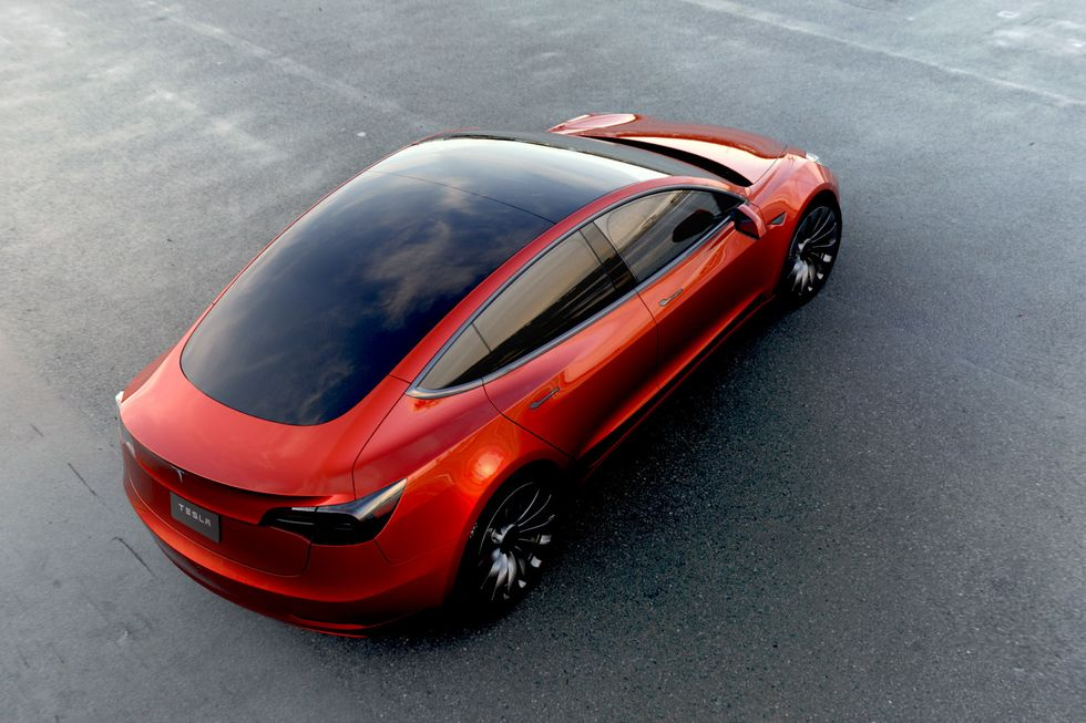 Tesla Model 3 precomenzi impresionante