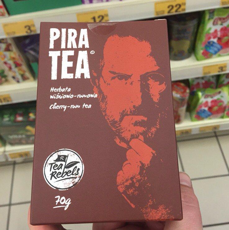 Steve Jobs cutie ceai