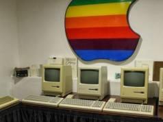 acolescent obsedat de produsele apple retro