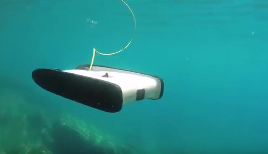 prima drona subacvatica