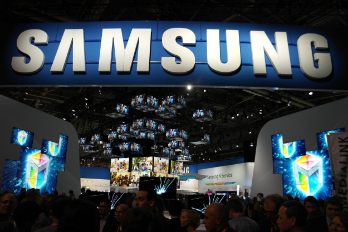 Samsung copiaza Apple