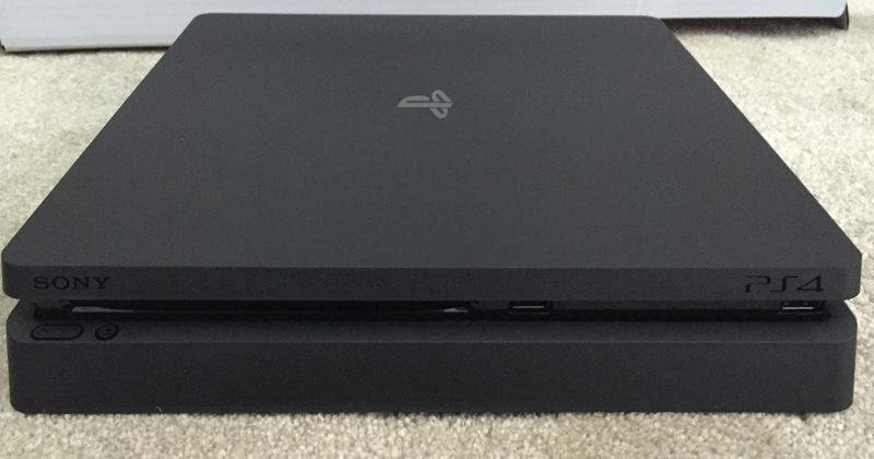 imagini PS4 slim
