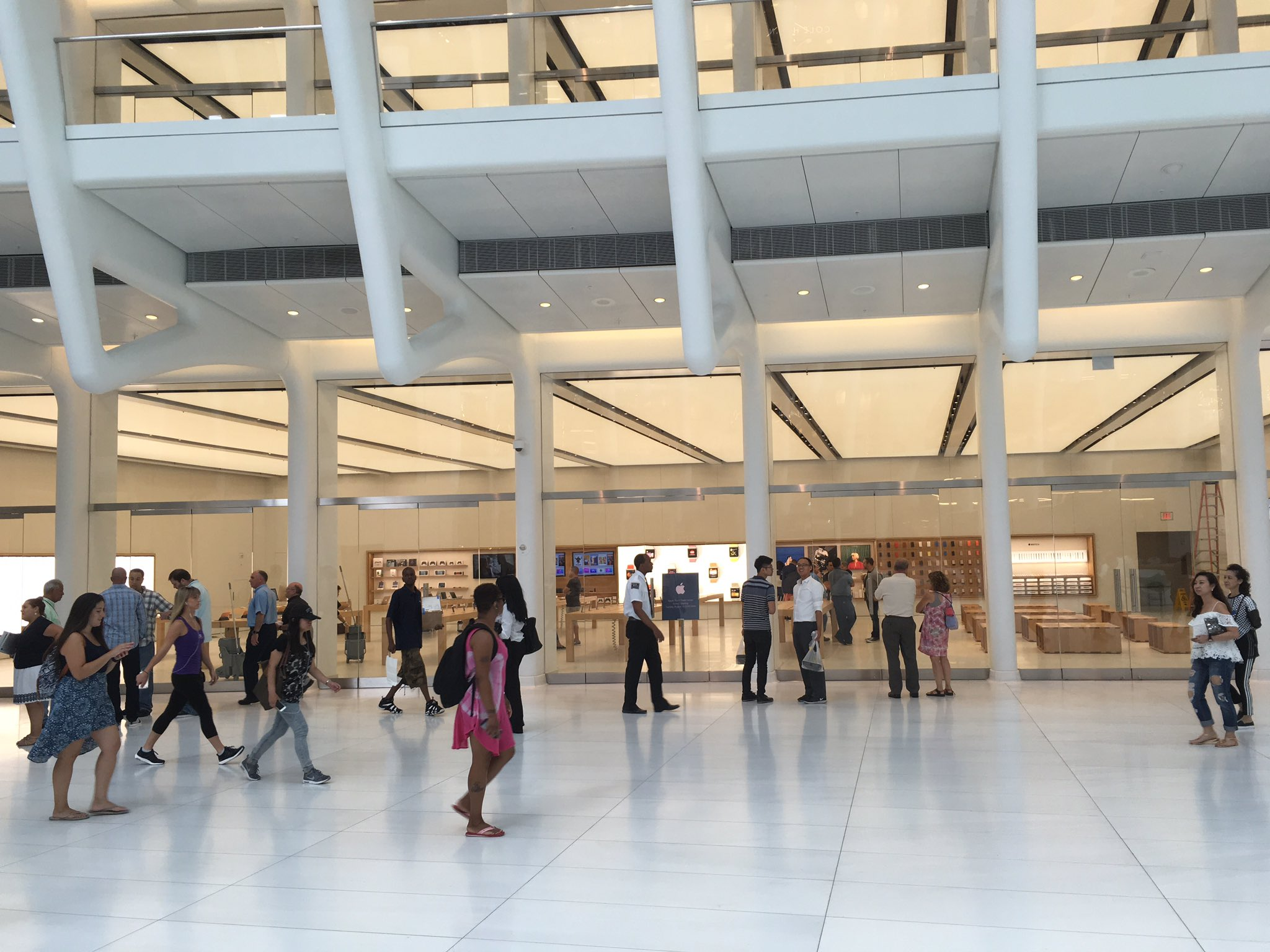 imagini apple store world trade center 7