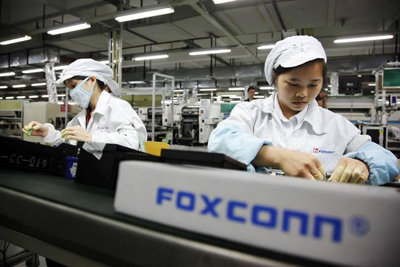 foxconn angajati iphone 7