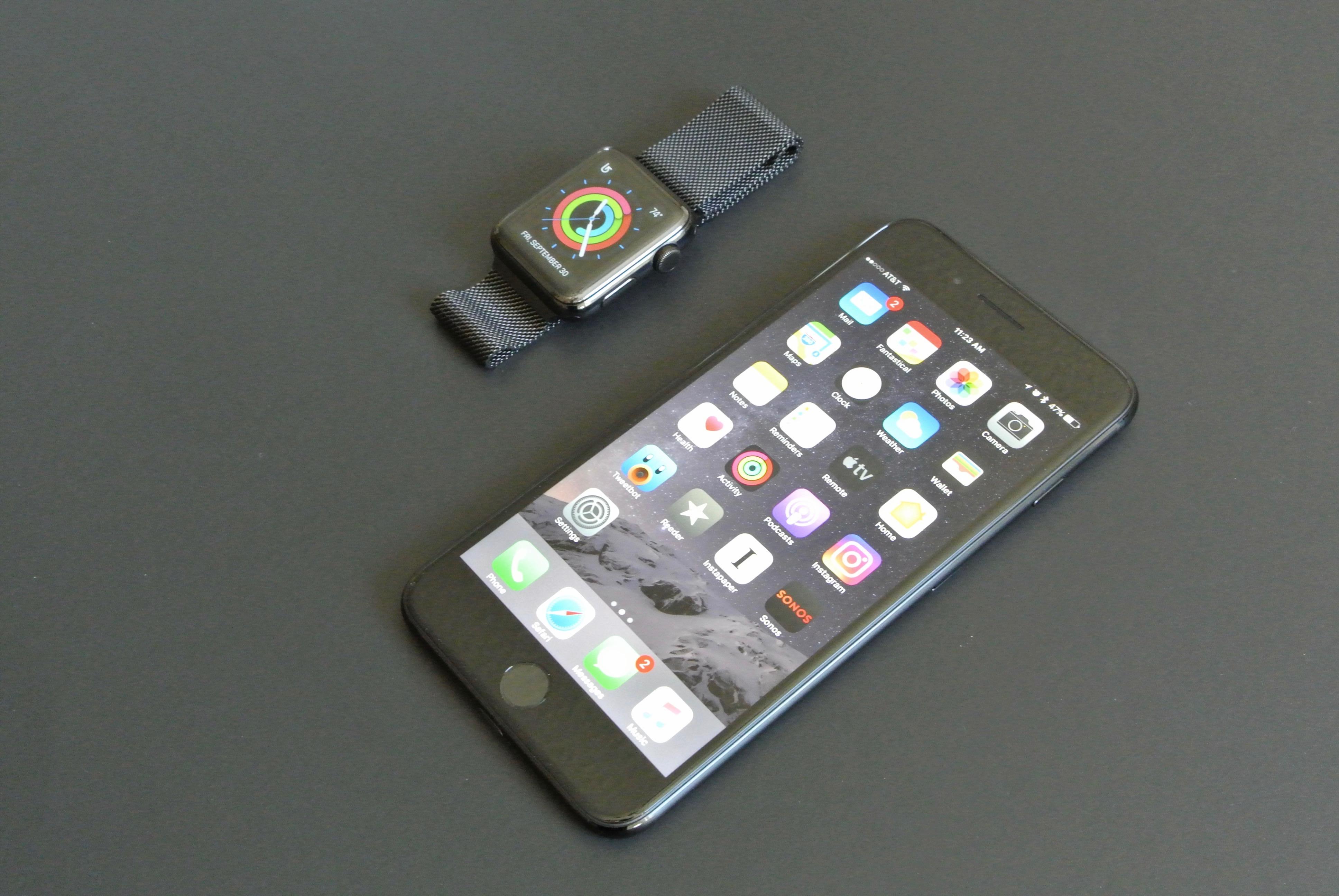 iPhone 7 jet black vs apple watch space black 5