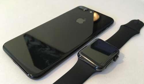 iPhone 7 jet black vs apple watch space black 6