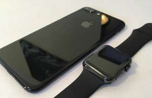 iPhone 7 jet black vs apple watch space black feat